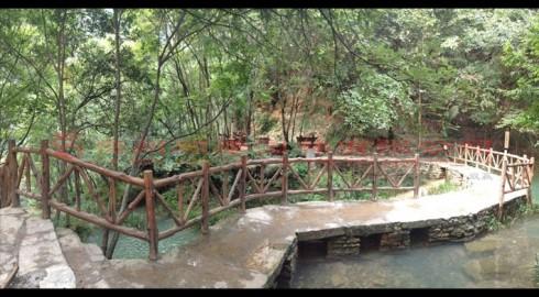 湖北襄阳香水河景区仿木景观